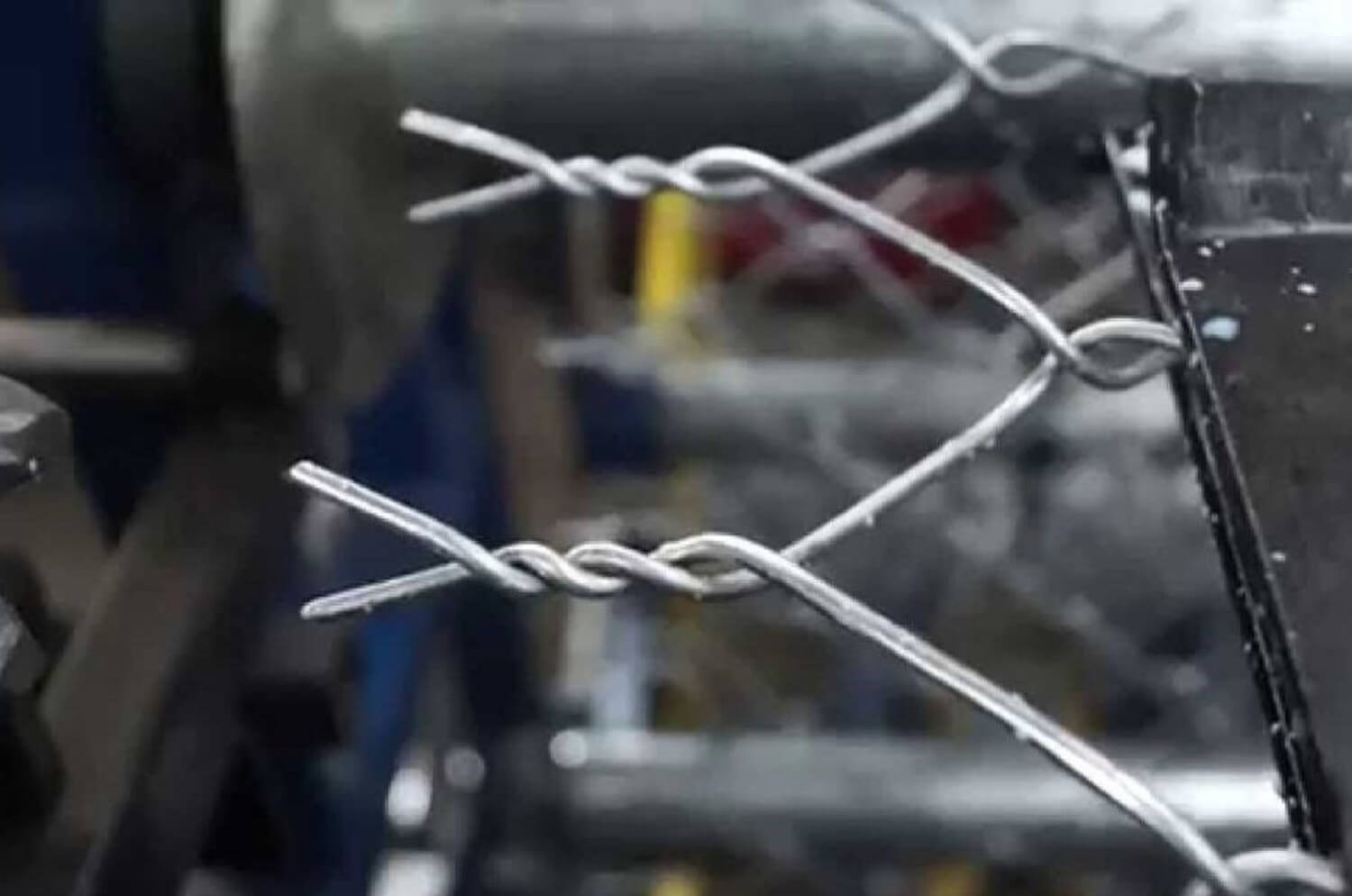 Chain Link Fence - Pulu Group, Building Material Manufacturer