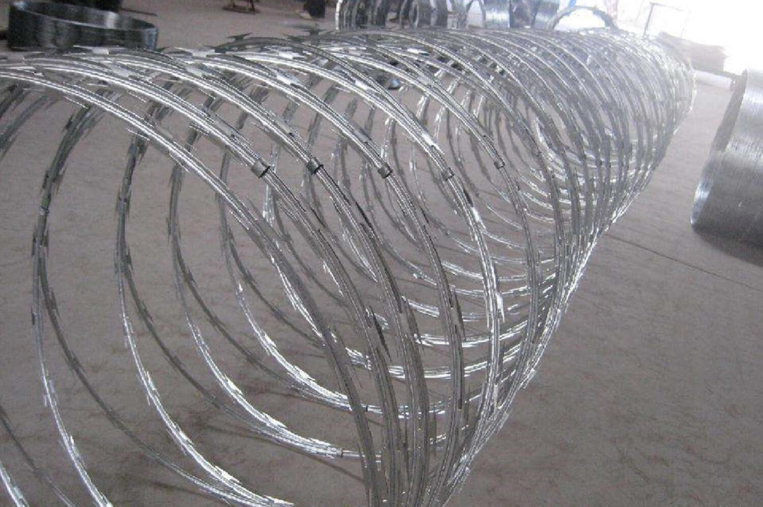 Razore Wire Concertina Wire - Pulu Group, Building Material Manufacturer